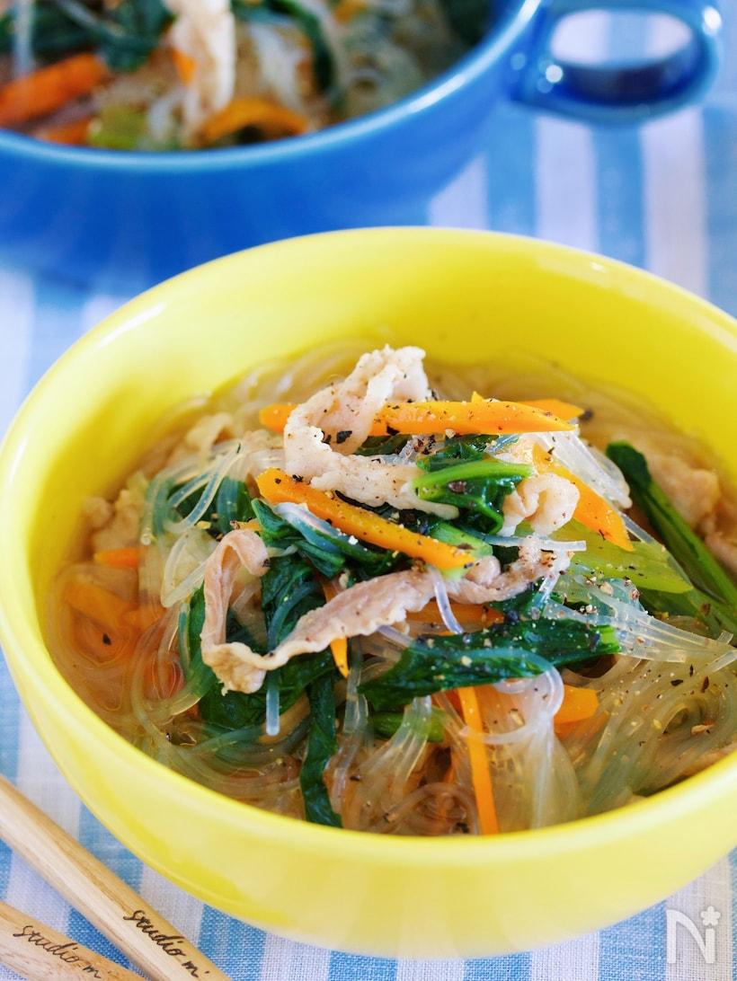 小松菜と豚バラ肉の中華風はるさめスープ
