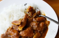 【カレーの献立】レシピ15選|これでもう迷わない!サラダにスープ、パパッと作れる副菜も!