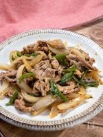 子供が喜ぶ!甘くて美味い『豚こま肉と新玉ねぎの中華風炒め』