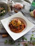 トマトソース煮込みのチーズハンバーグスパゲッティ