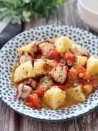 冷やしても美味しい♡タコポテトマトのバジルガーリック炒め