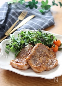 『ご飯にもパンにも合う♡豚肩ロースのオイマヨ粒マスタード焼き』