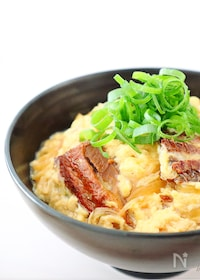 『【5分で完成‼︎】甘辛おいし〜い♡さんまの卵とじ丼』