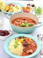 簡単でヘルシーなタコと夏野菜のトマト煮込み