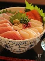 すし飯で作る海鮮丼