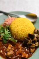 炊飯器でインドカレー店のターメリックライス
