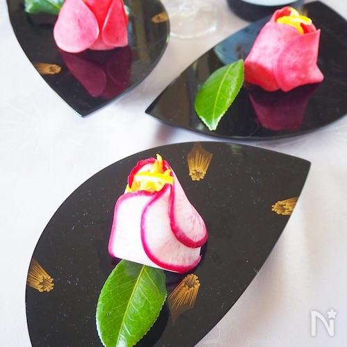 【すし酢で簡単混ぜるだけ】紅だいこんで椿の花寿司