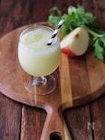 リンゴとセロリのスムージー。