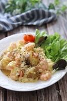 新玉ねぎと半熟卵で旨々♡むき海老と新じゃがのタルタルポテサラ
