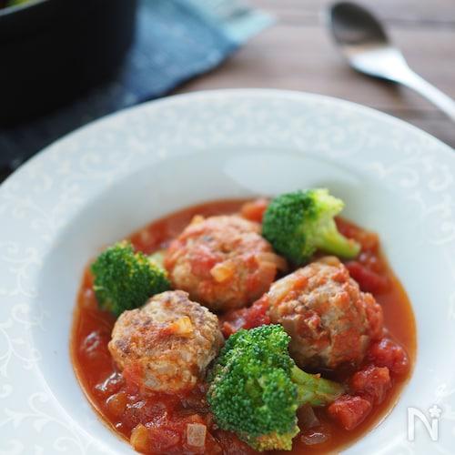 トマト煮込みのミートボール