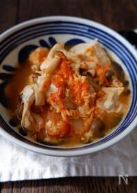 『小鍋で10分!ヘルシー&大満足♪キムチと豆腐の卵とじ』