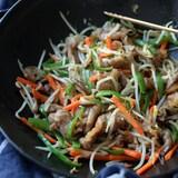 中華屋さんの肉野菜炒め。