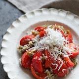 旨味増し増し♪しらすととろろ昆布のトマトサラダ