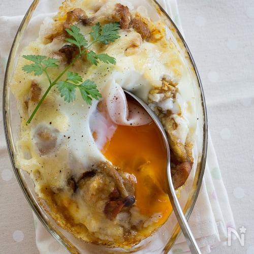 落とし卵の焼きチーズカレードリア