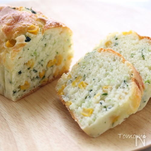 【ホットケーキミックスで簡単】小松菜とコーンのチーズパン