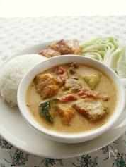 タイ風味のスパイスペーストで!豚肉と夏野菜のレッドカレー
