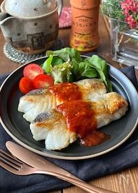 『鱈のムニエルガーリックトマトソース』