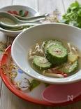 ゴーヤのエビとミンチの肉詰めスープ