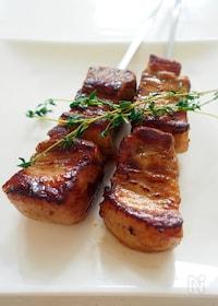 『スパイスポークの串焼き(ピンチョ・モルーノ)』