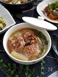 ボリューム満点!フライパンひとつで作る豚肉団子と白菜のスープ