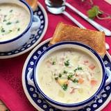 カラダほっこり♡ごろごろ野菜とベーコンの濃厚クリームスープ