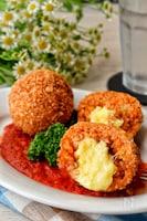 炊飯器で簡単!中からチーズがトローリご馳走感あり「スップリ」