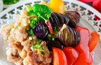 タレが絶品!カリカリ豚とたっぷり夏野菜のピリ辛南蛮甘酢漬け