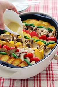バーニャドレッシングで、きのこと夏野菜のホットサラダ