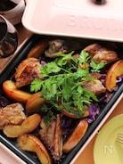 ホットプレートで塩麹スペアリブとりんごと紫キャベツのソテー