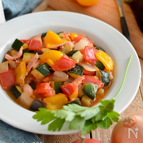夏野菜のラタトゥイユ。トマト缶なし、生トマトで作る前菜。