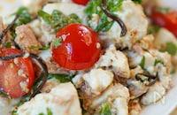 お腹がへこむ!!とりこ飯♡【豆腐と塩昆布の彩りサラダ】