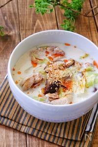 *鶏肉とキャベツの中華風味噌ミルクスープ*