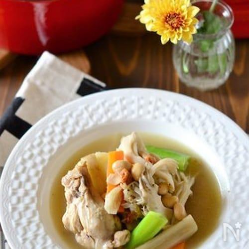 手羽元と大豆の食べるサムゲタン風スープ鍋