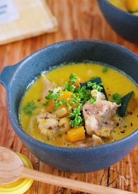 『重ねて煮るだけ7分『チキンとかぼちゃのコクうま♡豆乳スープ』』