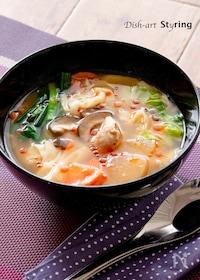 『野菜たっぷり! ツルツルワンタンの酸辣湯』
