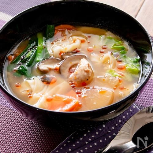 野菜たっぷり! ツルツルワンタンの酸辣湯