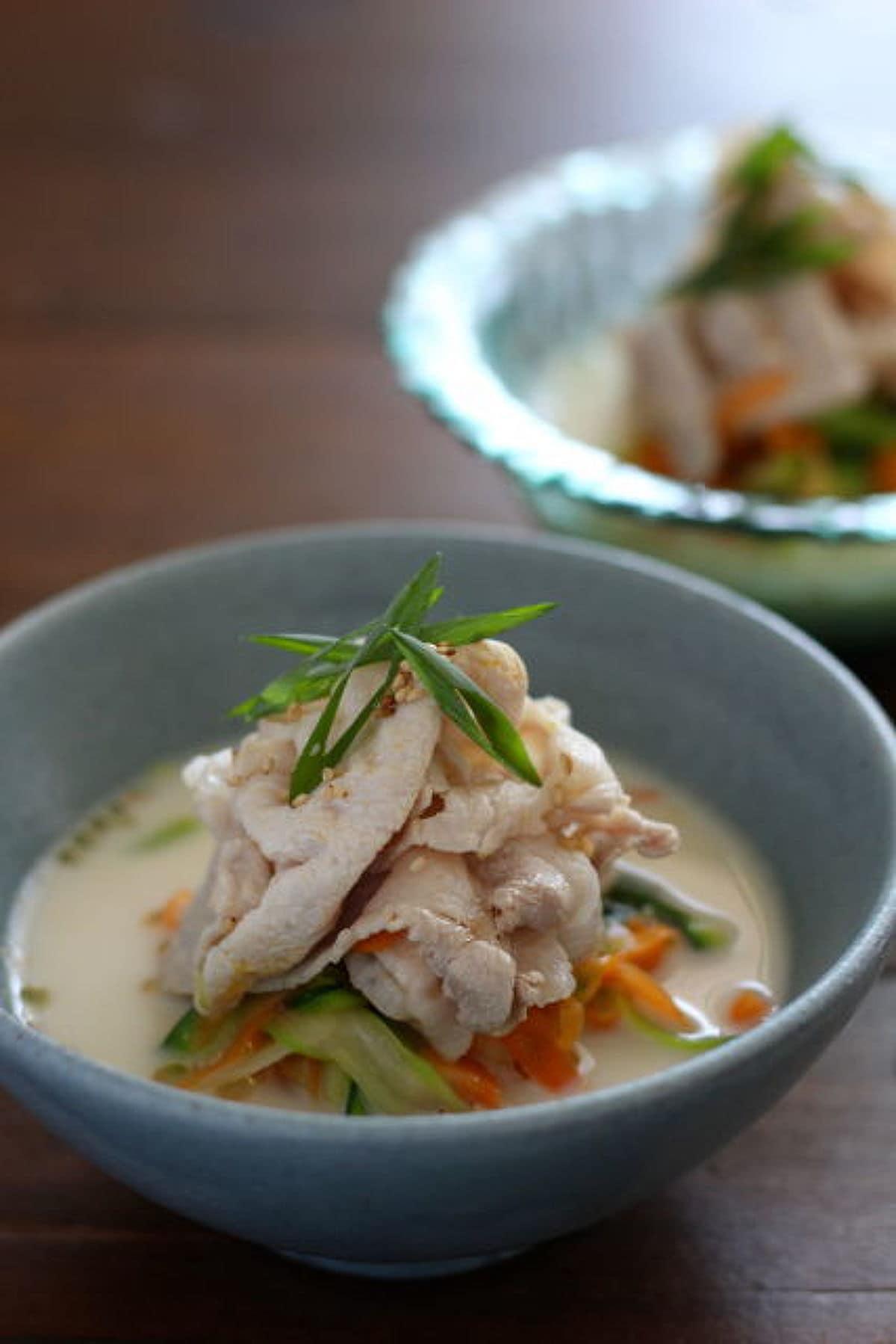 ベジヌードルと豚しゃぶの豆乳味噌スープ