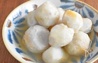 【蒸してツルンと簡単皮むき】里芋の白だし煮
