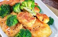 【鶏肉とブロッコリーのオイマヨ炒め】にんにく香る♬︎