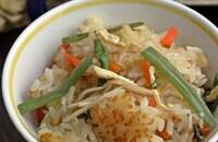 味の素で山菜を食べやすく♪山菜おこわ
