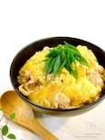 【10分で晩ごはん】ふわぁとろ♪汁だく♡豚こまの卵とじ丼