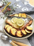 秋鮭とさつまいものレモンバターソテー*豪快焼きでふっくら~♪