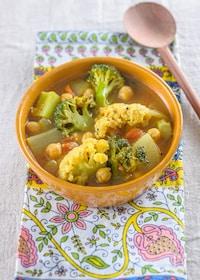 『冬野菜とひよこ豆のサンバル風スープカレー』
