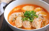 ホロホロ手羽先とじゃがいものスタミナにんにくキムチスープ