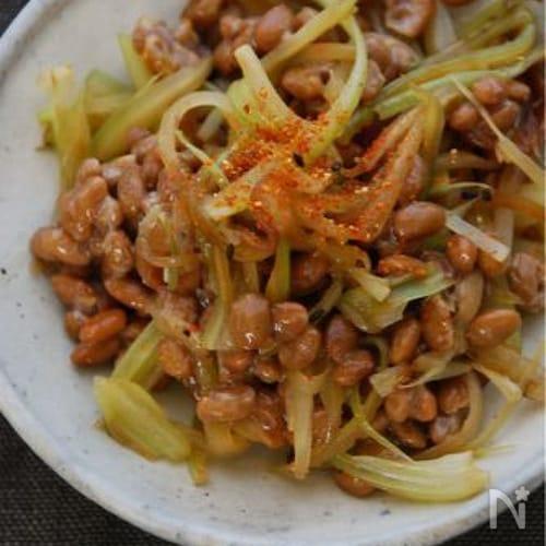 セロリと納豆のササッと炒め