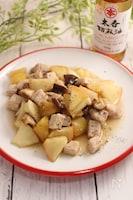 林檎と豚肉のかんたん酢炒め ブラックペッパーごま風味。
