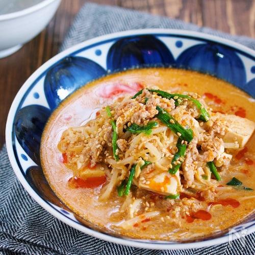重ねて煮るだけ♪『もやしと豆腐のうま辛♡坦々スープ』