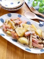 絶品副菜♡『ベーコンとポテトときのこのガーリック醤油炒め』