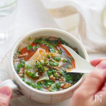 包まない、焼かない、ごはんが止まらない!ほぼ餃子風スープ