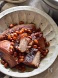 箸で切れるやわらかさ。こっさり風味の豚の角煮。